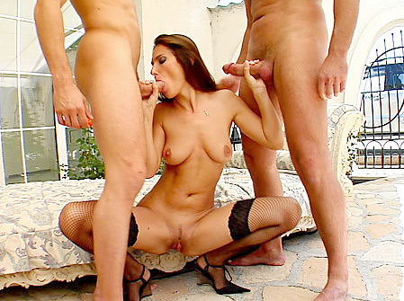 Working MILF Maggie's Eager Pussy